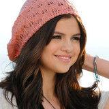 Selena Gomez está interesada en tener su propia fundación de caridad