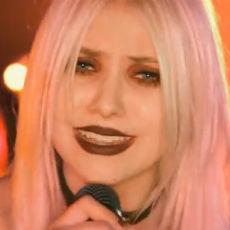 Taylor Momsen estrena video musical Just Tonight