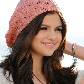 Fotos: Selena Gomez posa para su línea de primavera de Dream Out Loud