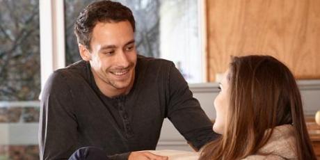 Cómo solucionar problemas de pareja por desconfianza, según expertos